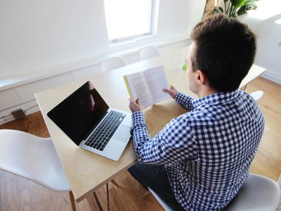 man-book-laptop